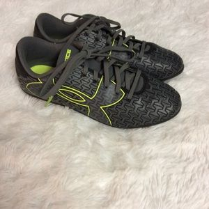 Under Armour Force Youth Soccer Cleats Size 2